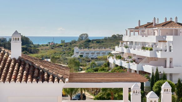 Golf Hills penthouse_complex view_Realista Quality Properties Marbella