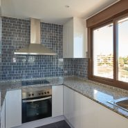 Golf Hills penthouse_kitchen cooker_Realista Quality Properties Marbella