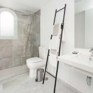 IVY Residence Nueva Andalucia_master bathroom_Realista Quality Properties Marbella