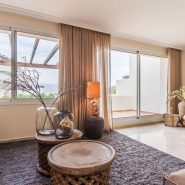 The Oakhill_Living room gold II_Realista Quality Properties Marbella