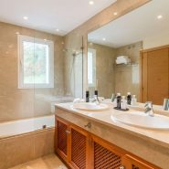 The Oakhill_bathroom_Realista Quality Properties Marbella
