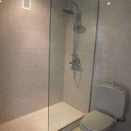 3 bedroom apartment Estepona New Golden Mile for sale Selwo_ bathroom_Realista Quality Properties Marbella