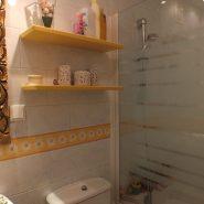 Estepona center 3 bedroom apartment for sale_Guest bathroom_Realista Quality Properties Marbella