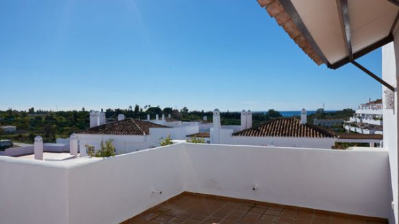 Golf Hills Estepona_3 bedroom apartment_ terrace_Realista Quality Properties Marbella