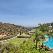 Las Lomas de la Quinta Benahavis_ground floor corner apartment for sale_View II_Realista Quality Properties Marbella