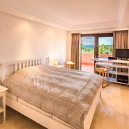 Mar Azul Estepona Beach front penthouse_Master bedroom_Realista Quality Properties Marbella
