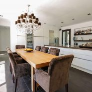 Modern villa for sale Los Monteros Playa_dining II_Realista Quality Properties Marbella