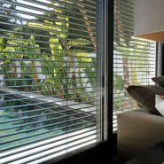 Modern villa for sale Los Monteros Playa_view livingroom_Realista Quality Properties Marbella