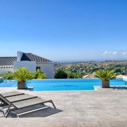 Villa Los Flamingos 5 bedroom_Swimming pool and view_Realista Quality Properties Marbella
