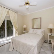 Villa marbella Hill Club for sale_guest bedroom_Realista Quality Properties Marbella
