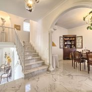 Villa marbella Hill Club for sale_stair case_Realista Quality Properties Marbella