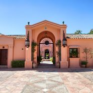 Country style villa beachside guadalmina san pedro marbella_Realista Quality Properties Marbella