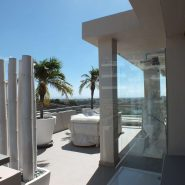 Arrayanes Golf penthouse_View and shower roof terrace_Realista Quality Properties Marbella
