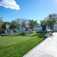 Golf Hills penthouse_communal garden_Realista Quality Properties Marbella