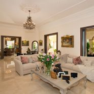 Luxury and private villa with sea views for sale in La Zagaleta Golf & Country Club_ living room_Realista Quality Properties Marbella