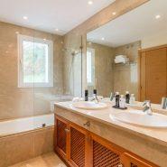 The Oakhill_bathroom_Realista Quality Properties Marbella