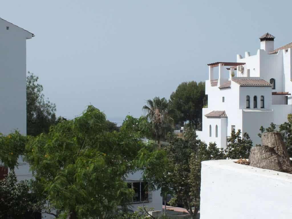 Fabulous 3 bedroom apartment in Las Joyas Estepona • Realista ES