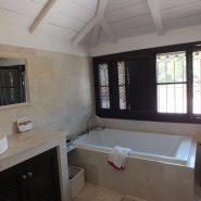 Andalusian Cortijo style villa in country living Casares_Master bathroom_Realista Quality Properties Marbella