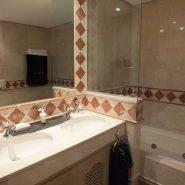 Bahia del Velerin_2 bedroom apartment_guest bathroom_Realista Quality Properties Marbella