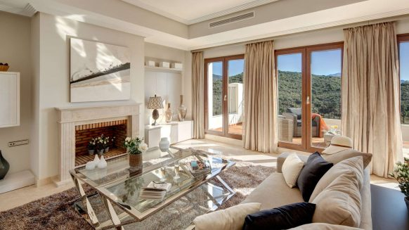 Benahavis Hills Country Club_Livingroom day time_Realista Quality Properties Marbella