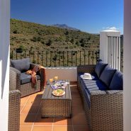 Benahavis Hills Country Club_terrace II_Realista Quality Properties Marbella