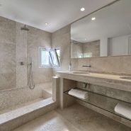 Contemporary 6 bedroom front line golf villa Los Naranjos Golf_Guest bathroom III_Realista Quality Properties Marbella