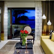 Doncella Beach 3 bedroom apartment_living at night_Realista Quality Properties Marbella