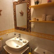 Estepona center 3 bedroom apartment for sale_guest bathroom I_Realista Quality Properties Marbella