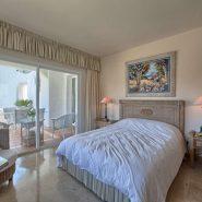 Las Lomas de la Quinta Benahavis_ground floor corner apartment for sale_Master bedroom I_Realista Quality Properties Marbella
