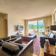 Las Lomas de la Quinta benahavis_3 bedroom duplex penthouse for sale_livingroom_Realista Quality Properties Marbella