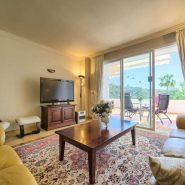 Las Lomas de la Quinta_ground floor 2 bedroom apartment_Livingroom I_Realista Quality Properties Marbella