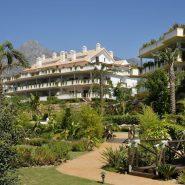 Lomas del Rey Golden Mile_Commuanl garden_Realista Quality Properties Marbella
