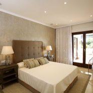 Lomas del Rey Golden Mile_master bedroom_Realista Quality Properties Marbella