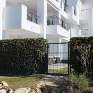 Los Robles_Los Arqueros_ Benahavis_side entrance to the apartment_Realista Quality Properties Marbella