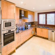 Mar Azul Estepona Beach front penthouse_Kitchen_Realista Quality Properties Marbella