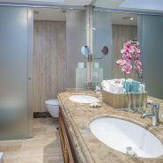 Mar Azul Estepona_Beach front_Bathroom V_Realista Quality Properties Marbella