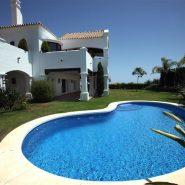 Villa La Alqueria_swimming pool_Realista Quality Properties Marbella