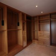 Villa La Alqueria_walk in closet_Realista Quality Properties Marbella