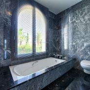 Villa Los Flamingos 5 bedroom_ master bathroom_Realista Quality Properties Marbella