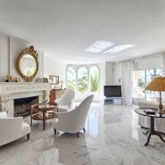Villa marbella Hill Club for sale_livingroom fireplace_Realista Quality Properties Marbella