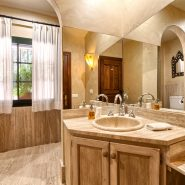 Country style villa beachside guadalmina san pedro marbella_Bathroom II_Realista Quality Properties Marbella
