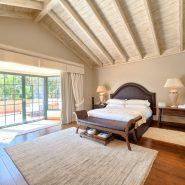 Country style villa beachside guadalmina san pedro marbella_Master bedroom_Realista Quality Properties Marbella