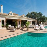 Luxury and private villa with sea views for sale in La Zagaleta Golf & Country Club_swimming pool in front of Living_Realista Quality Properties Marbella