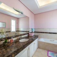 Villa El Capitan Benahavis_Guest bathroom_Realista Quality Properties Marbella