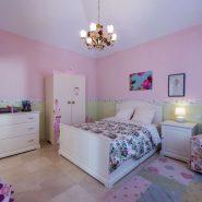 Villa El Capitan Benahavis_Guest bedroom_Realista Quality Properties Marbella