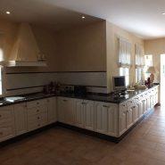 Beachside Villa Bahia de Marbella_kitchen I_Realista Quality Properties Marbella