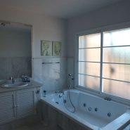 Beachside Villa Bahia de Marbella_master Bathroom I_Realista Quality Properties Marbella