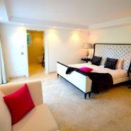 Contemporary 6 bedroom front line golf villa Los Naranjos Golf_Master bedroom II_Realista Quality Properties Marbella