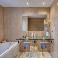 Cortijo del Mar Estepona_ ground floor 2 bedroom apartment_ bathroom_Realista Quality Properties Marbella