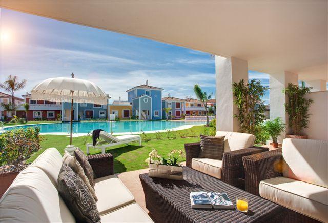 For sale fully furnished 2 bedroom apartment Cortijo del Mar Estepona